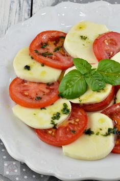 Caprese Salad, Clean Eating, Vegan, Food, Recipes, Eat Healthy, Healthy Nutrition, Essen, Meals