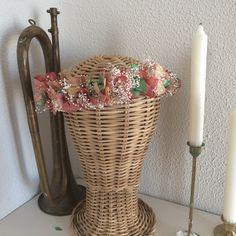 Coronita para damita de hortensia rosa vintage, verde y paniculata #CarideNicolasTocados www.caridenicolas.com