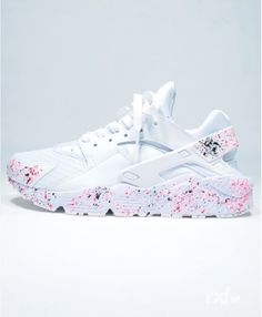 sports shoes 95aa7 420b8 Chaussure Femme Nike Air Huarache Rxl Custom Blanche Rose Noir Nike Huarache  Women, Nike Shoes