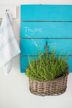 Minty House Blog /  możesz stworzyć tablicę na czym tylko chcesz i w jakim kolorze chcesz! Produkty: Tikkurila Liitu