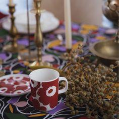 Oiva Unikko dishware collection for Winter 2019 Christmas Design, Christmas 2019, Christmas Holidays, Marimekko, Red Ovens, Red Mug, Shops, Glass Ornaments, Scandinavian Design
