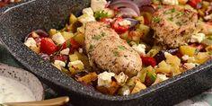 Græsk kyllingefilet i fad med kartofler og grøntsager Tzatziki, Feta, Rice, Chicken, Dinner, Karry, Blog, Handmade, Dining