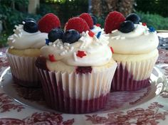 Bakery Underground's 4th of July cupcakes... marbled red velvet and white cake with raspberry filling and double vanilla cream cheese frosting... yeah... it's good
