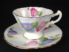 VINTAGE ELEGANT  HAMMERSLEY FLORAL TEA CUP AND SAUCER BONE CHINA ENGLAND
