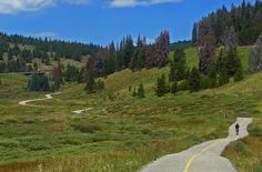 VAIL PASS PATH - Vail, CO: 24 paved miles with various stretches of elevation gain. 1550' climb to the summit. You can ride just the downhill portion if you want the thrill and not the hard work. High altitude bike riding, all above 8,000-feet.