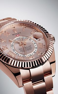 The Rolex Sky-Dweller is the perfect watch for seasoned travellers. It keeps track of two time zones simultaneously and never lets its wearer down. Rolex Watches For Men, Luxury Watches For Men, Sky Dweller, Rolex Women, Watches Photography, Amazing Watches, Hand Watch, Expensive Watches, Watch Sale