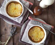cibuľová polievka Cornbread, Ethnic Recipes, Food, Onion, Millet Bread, Essen, Meals, Yemek, Corn Bread