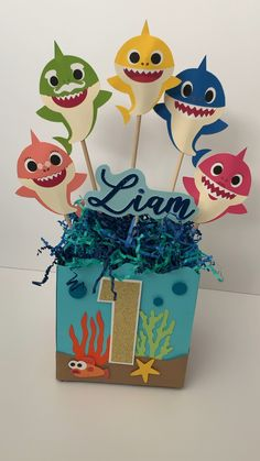 Baby Shark centerpiece - cumpleaños de liam - Welcome Baby Baby Boy 1st Birthday Party, Baby Party, Birthday Party Themes, Birthday Ideas, Party Box, Baby Hai, Shark Party Decorations, Birthday Party Centerpieces, Themed Birthday Parties