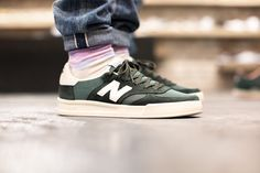 NEW BALANCE CT300 SBW GREEN available at www.tint-footwear.com/new-balance-ct300-sbw new balance ct300 made ein england green retro classic tennis sneaker sneakers tint footwear munich münchen