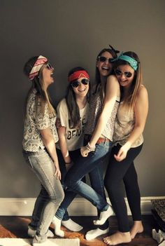 sunglasses and bandanas= BFF photoshoot! Best Friend Pictures, Bff Pictures, Cute Photos, Best Friend Goals, My Best Friend, Schmidt, Best Friend Photography, Group Photography, Friend Poses