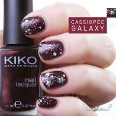 Un nailart intergalactique ! Un ! http://cakoapaillettes.fr/blog/cassiopee-galaxy/