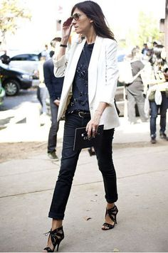 Emmanuelle Alt : blue, black, white & stilettos ! All I like !