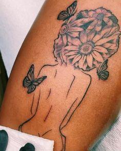 Tattoos For Black Skin, Dark Skin Tattoo, Black Girls With Tattoos, Spine Tattoos For Women, Girls With Sleeve Tattoos, Thigh Piece Tattoos, Body Tattoos, Life Tattoos, Tatoos