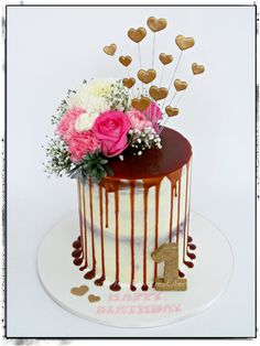Salted caramel drip cake with fresh flowers. Fresh Flower Cake, Flower Cakes, Fresh Flowers, 50th Birthday, Birthday Cakes, Caramel Drip Cake, Drippy Cakes, Mom Cake, Delicate