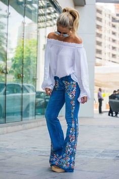 hippie style Embroidered jeans means I can bring out my boho side and stay modern. Boho Outfits, Summer Outfits, Cute Outfits, Fashion Outfits, Hippie Chic Outfits, Jean Outfits, Gypsy Style, Bohemian Style, Boho Chic