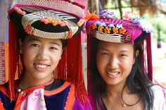 Google Image Result for http://oursurprisingworld.com/wp-content/uploads/2008/01/thailand_hill_tribes_02.jpg