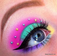 Neon costume party eye make up. Makeup Carnaval, Clown Makeup, Cute Makeup, Costume Makeup, Gorgeous Makeup, Halloween Makeup, Makeup Looks, Makeup Inspo, Makeup Art