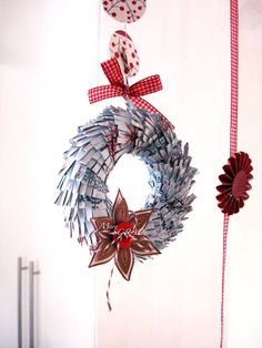 Mini Paper Wreath