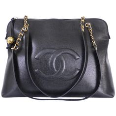 Pre-Owned Chanel Black Caviar Skin Overnighter Jumbo Shoulder Bag (€2.175) ❤ liked on Polyvore featuring bags, handbags, shoulder bags, black, chanel purses, pre owned handbags, shoulder strap bag, black purse and black shoulder bag