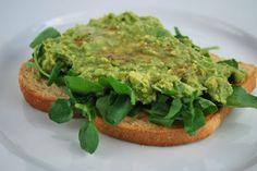 5 Kid-Friendly Ways to Eat Super Foods (#5 Quick & Easy Avocado Toast)
