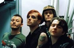 manic street preachers Richey Edwards, James Dean, Group Photos, Cool Bands, Turning, Singers, Musicians, Alternative, Street