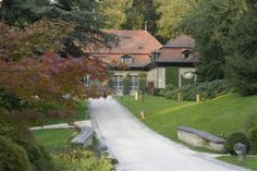 Reithalle Wenkenhof. http://www.eventlokale.com/de/Reithalle-Wenkenhof_Basel-Stadt_Riehen-localityDetails-1599.html