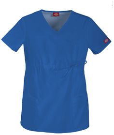 A Junior fit maternity mock wrap top features a front adjustable drawstring, patch pockets, multi-sectional utility loops and side vents. Please look at our current selection of maternity scrubs. Maternity Scrubs, Maternity Tops, Maternity Fashion, Maternity Styles, Cute Scrubs, Scrub Pants, Scrub Tops, Black Tops, Short Sleeve Dresses