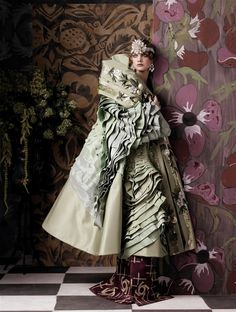 """Fashioning the century"", Vogue USA mayo 2007. Fotógrafo: Steven Meisel. Editora de Moda: Grace Coddington. Modelo: Natalia Vodianova."