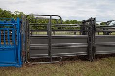 One great panel with two functions – provides a safe blocking gate for AI and palpation, or provides an additional sorting gate.
