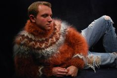 <strong>B</strong> Mohair Sweater, Men Sweater, Male Hands, Boys Sweaters, Hand Knitting, Mens Fashion, Strong, Jumpers, Knitwear