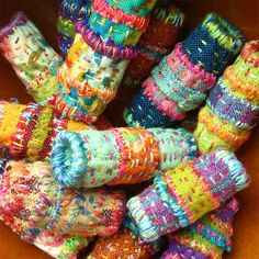 Quilted beads by Boo Dilly Inspired by Japanese Boro and Indian Kantha. Made from fabric, batting and hand quilting. Fabric Beads, Paper Beads, Fabric Scraps, Textile Jewelry, Fabric Jewelry, Beaded Jewelry, Jewellery, Handmade Beads, Handmade Jewelry