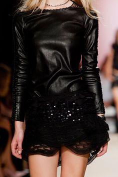 Isabel Marant at Paris Fashion Week Spring 2014 - Details Runway Photos Ivy Fashion, Winter Fashion Outfits, Runway Fashion, Spring Fashion, Fashion Beauty, Womens Fashion, Paris Fashion, Fashion Story, Spring 2014