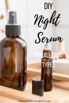 DIY Face Serum With Essential Oils - This homemade DIY face serum is perfect for all skin types. It will help fight wrinkles and promote skin softening and anti aging properties while also preventing acne! Creme Anti Age, Anti Aging Cream, Beauty Care, Beauty Skin, Beauty Tips, Beauty Hacks, Beauty Products, Diy Beauty, Lush Products