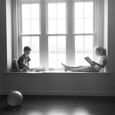 How to grow the love of reading at a young age. #TheStoryStartsHere #Sponsored