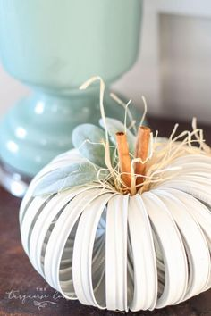 Mason Jar Lid Pumpkins are so cute and easy to make, you'll be making them for all of your friends. Using just four basic supplies, this project takes about 30 minutes or less! My first mason jar lid pumpkin was made back in 2012 when these started Mason Jar Projects, Mason Jar Crafts, Diy Hanging Shelves, Mason Jar Lids, Fall Mason Jars, Canning Jars, Mason Jar Lighting, Wine Bottle Crafts, It Goes On