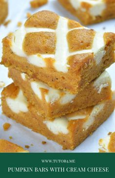 Pumpkin Bars with Cream Cheese is simple and easy dessert recipe for fall baking season. Cake Recipes For Beginners, Best Cake Recipes, Real Food Recipes, Favorite Recipes, Sweet Recipes, Easy Desserts, Delicious Desserts, Dessert Recipes, Dinner Recipes