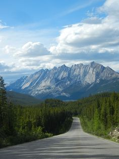 7 Of The Most STUNNING Roads In The World #roadtrip, #beauty