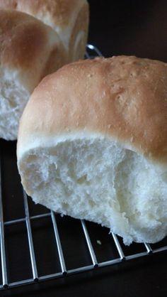 オリーブオイルで*薄力粉のパン*