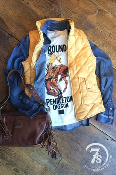 """The Round-Up Pendleton Oregon"" Graphic tee Vintage Let'er Buck bronc rider image On light oatmeal heather fitted Country Girl Style, Country Fashion, Country Outfits, Western Outfits, My Style, Country Wear, Western Chic, Western Wear, Cowgirl Style"