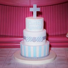 Pastel de Boda. Wedding cake. Tarta de Boda. Torta de Boda Bodas de ensueño Puerto Ordaz Ciudad Guayana Venezuela #cake #PuertoOrdaz #CiudadGuayana #Reposteria #Bakery #reposteriafina #cake #pastel #fondant #beatifull #tortas #tortasdecoradas #luxury #customcakes #cakedesign #cakedesigner #bolo #cakeinspiration #bautizo #tortasdebautizo #baptismcake #baptism #bautizo