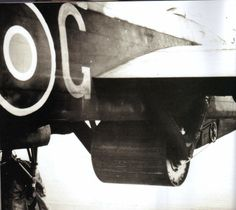 The Upkeep 'bouncing bomb' mounted on Wing Commander Gibson's aircraft.The drive system to the right of the installation spun the weapon backwards before dropping - - RAF - Dambusters Air Force Aircraft, Ww2 Aircraft, Military Aircraft, Domino Crafts, Delta Wing, Lancaster Bomber, Ww2 Planes, War Photography, Vintage Airplanes