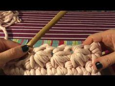 Вязание из трикотажной пряжи. Цветочный клатч - YouTube