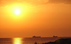 Sunrise over the Sea Sunrise Background, Smocking Tutorial, Banner Background Images, Beautiful Sunrise, 32 Bit, Sea, Sunset, Wallpapers, Outdoor