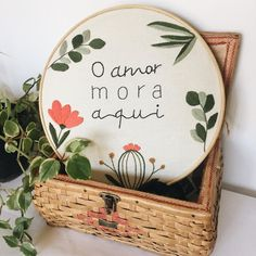 Hand Embroidery Videos, Embroidery Patterns Free, Embroidery For Beginners, Embroidery Hoop Art, Embroidery Designs, Diy Bordados, Funny Cross Stitch Patterns, Textiles, Decoration