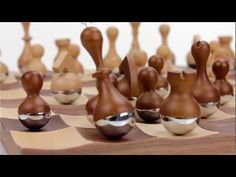 Umbra Wobble Chess Set