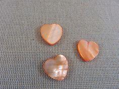 11pcs, Perles coeur, coquille nacré, perles orange, coeur 15mm, perles coeur orange, création bijoux, perles romantique, lot perles coeurs de la boutique ArtKen6L sur Etsy