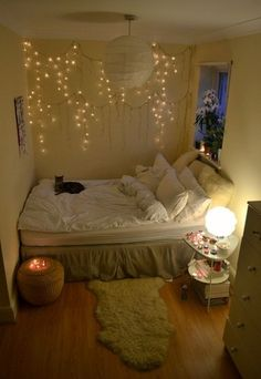 Neat Bedroom, love the lights on the wall