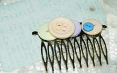 Button Hair Comb!