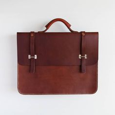 The Admiral's briefcase eventually made it online, check our shop for more! #leather #briefcase #madeinuk #mesleather