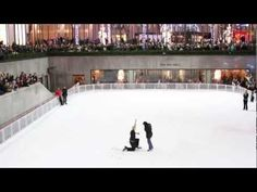 Rockefeller Center Ice Skating Rink Marriage Proposal - This is my friend! (seriously, this is my friend, Stephanie! Wedding Proposal Videos, Best Proposal Ever, Marry Me Quotes, Skating Rink, Rockefeller Center, Cute Little Things, Marriage Proposals, Most Romantic, Holiday Fashion